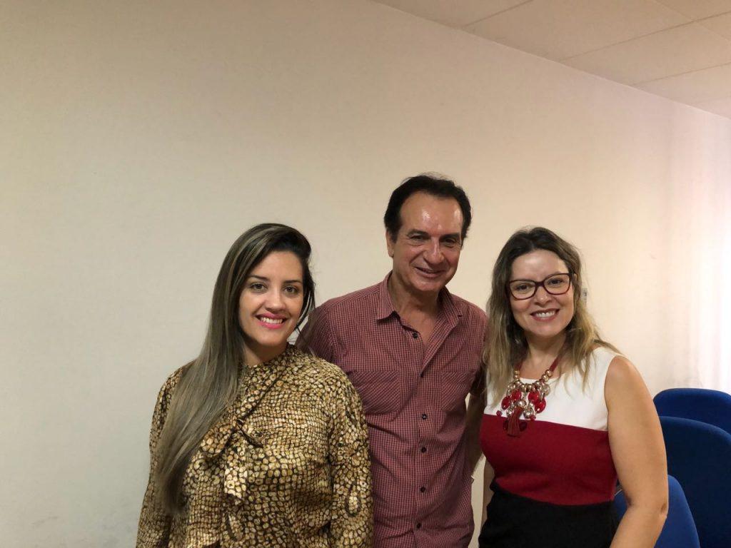 Coordenador Carlos Antunes do Programa Educação Fiscal junto a Lais Mazarim e Janaina Farias da CGU MS.